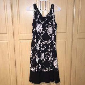 NWT 16T Tiana B. Black, white, grey Floral dress